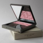 Румяна Burberry Light Glow №04 Peony Blush