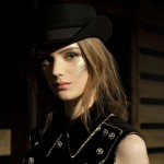 С подиума: Chanel Défilé Métiers d'Art 2013-14 Paris-Dallas