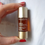 Сыворотка-автозагар Clarins Radiance-Plus Golden Glow Booster