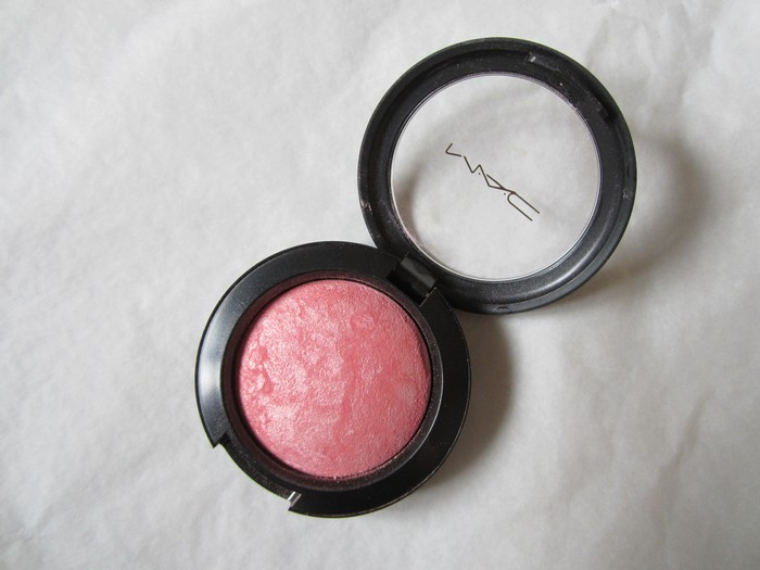 MAC Mineralize Blush #Azalea in the Afternoon (1)