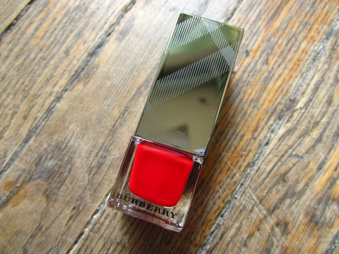 Burberry Nail Polish Poppy Red #301 (1)