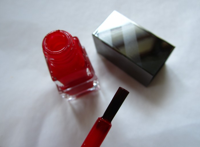 Burberry Nail Polish Poppy Red #301 (5)