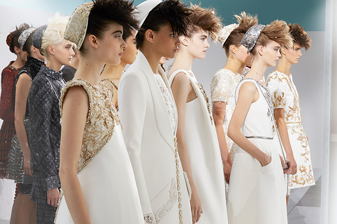 chanel-haute-couture-fall-winter-2014-15-backstage-01
