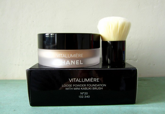 Chanel Vitalumiere Loose Powder Foundation_1